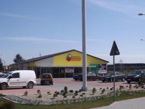 Pawilon handlowy Biedronka w Wierzchosławicach