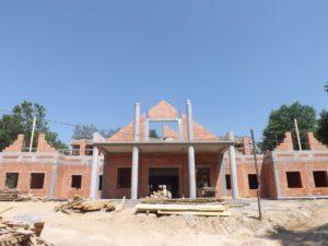 Budowa domu weselnego w Szarwarku